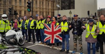 Brits Join in on Yellow Vest Protests Against Migration
